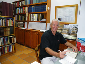 Researcher Neil Dearberg